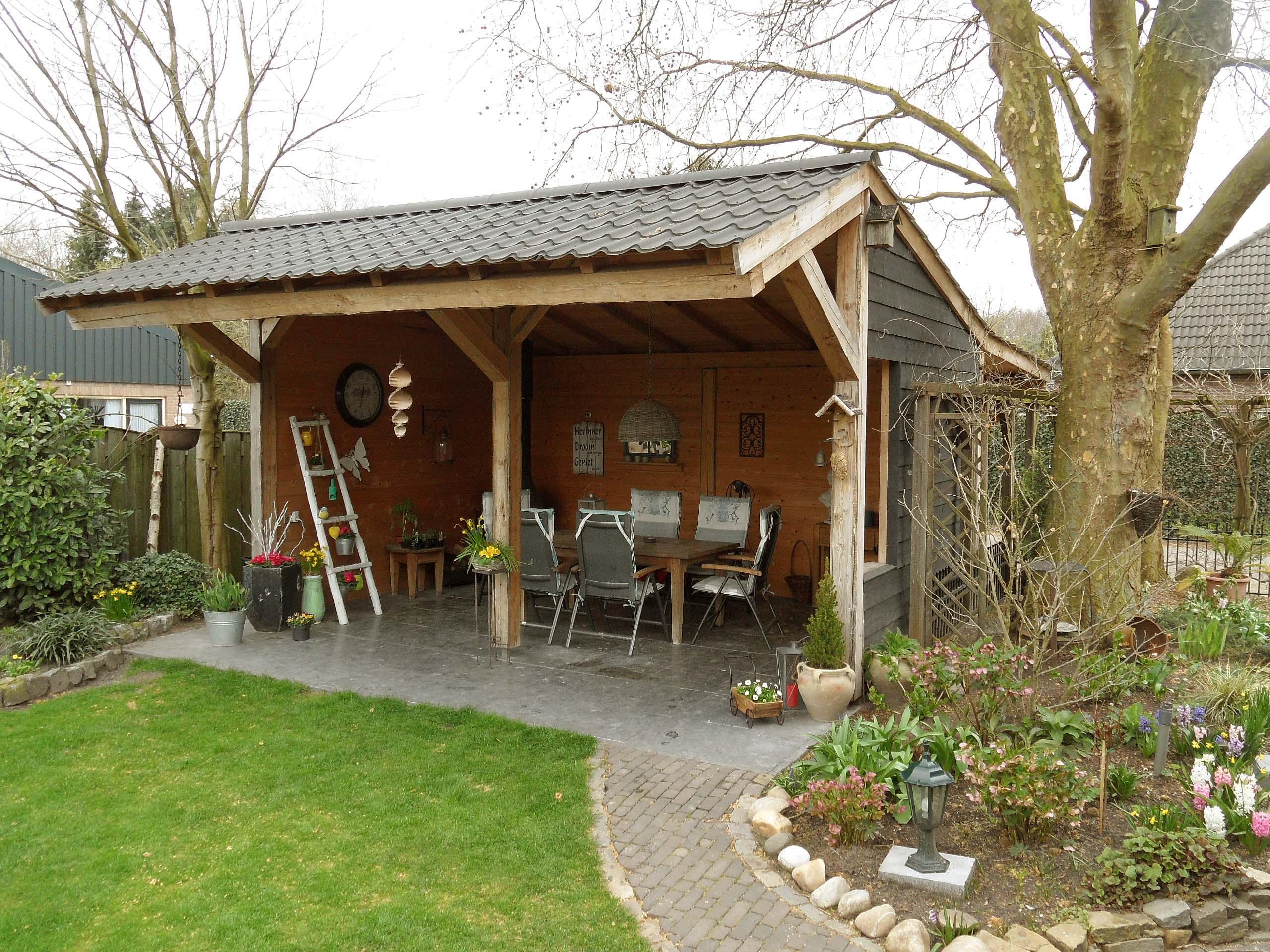 Tuinhuis met overkapping Volkel
